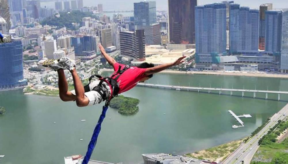 bungee jumping Macau Tower, China