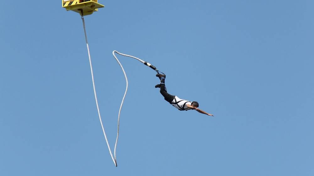 bungee jump Anjuna Beach Goa