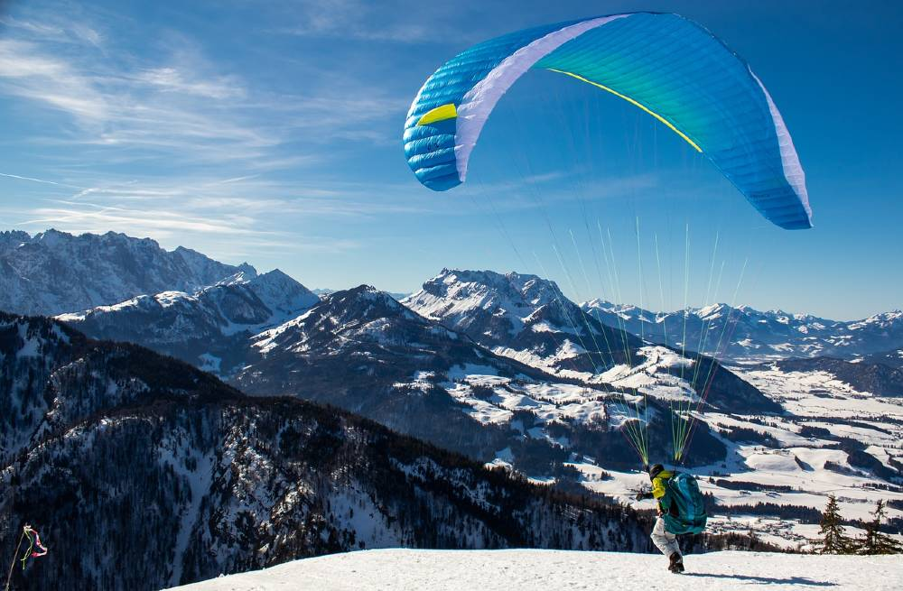 paragliding in Bir Billing India