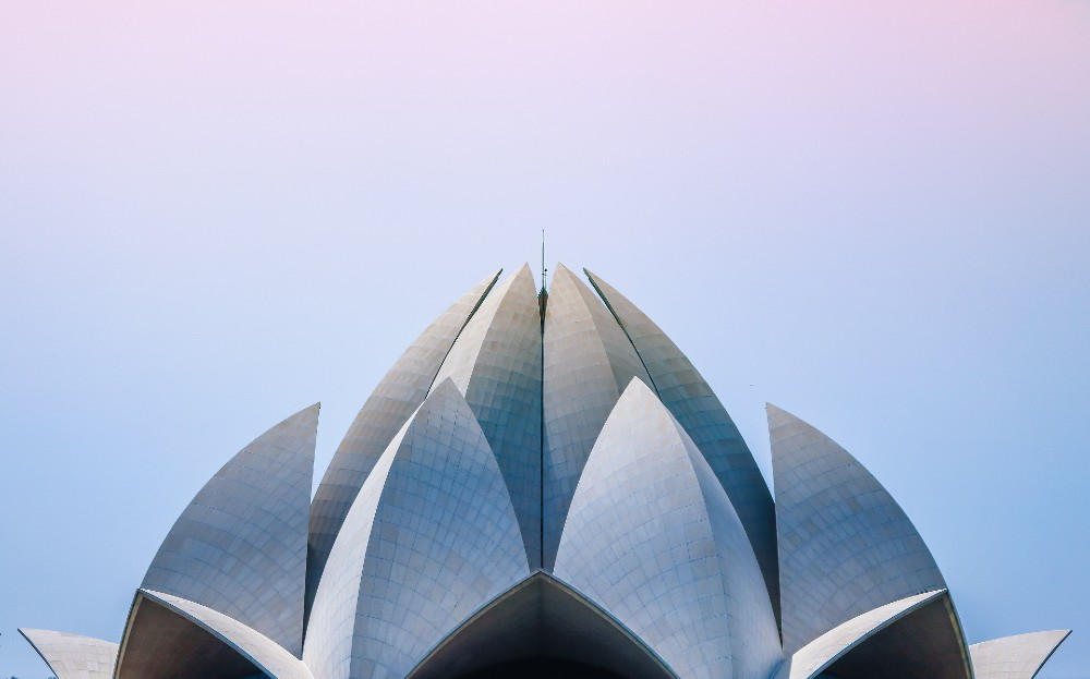Lotus Temple the best peaceful places in Delhi